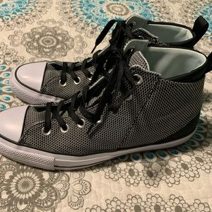 Converse size 9 high tops women's like new